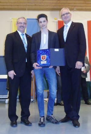 Mark Meyers bei der Ehrung zum Sportler des Jahres 2013 der Stadt Heinsberg mit Bürgermeister Wolfgang Dider